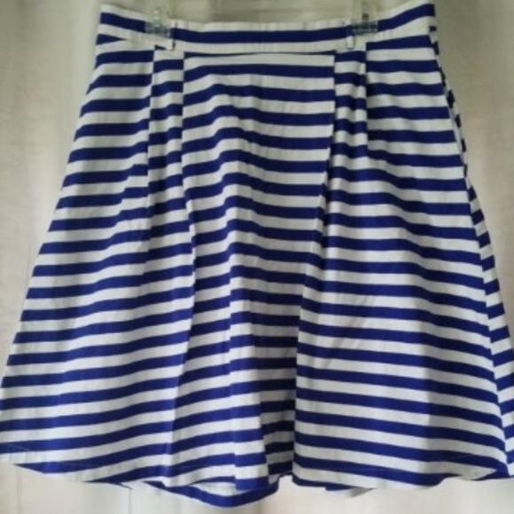 Modcloth Dresses & Skirts - ModCloth women's XL blue/white striped skirt